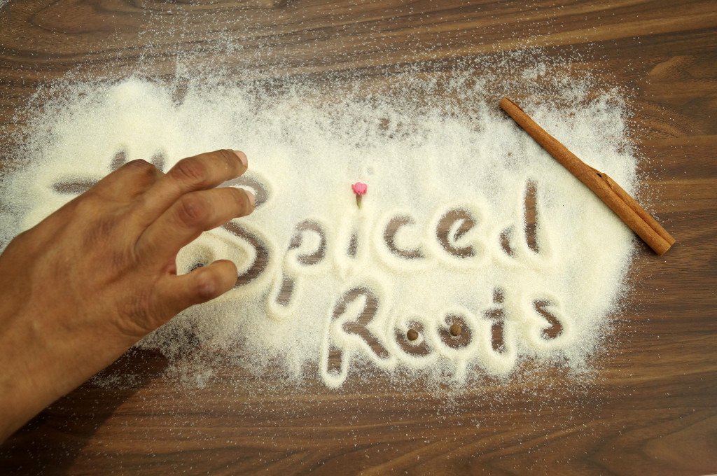 SpicedRoots -sand logo